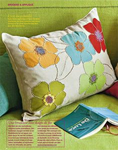 a little applique. a little stitching. a lot of lovely. Cushion Embroidery, Applique Cushions, Sewing Pillows, Diy Pillows, Applique Quilts, Decorative Pillows, Throw Pillows, Patchwork Pillow, Quilted Pillow