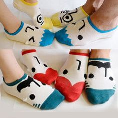 Face socks -- I have two pairs of these! They are soo cute and super comfy! Funny Socks, Cute Socks, My Socks, Awesome Socks, Socks Men, Happy Socks, Invisible Socks, Crazy Socks, Short Socks