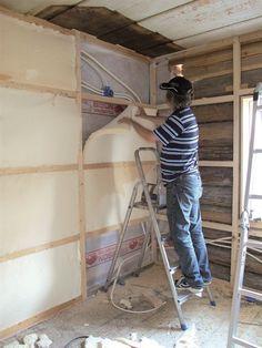 Som tommelfingerregel skal man alltid trå varsomt når man restaurerer et gammelt hus. Dette gjelder også når det kommer til etterisolering.