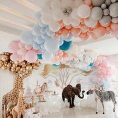 Safari Party Anyone? Jungle Theme Birthday, Wild One Birthday Party, Jungle Party, Birthday Parties, Birthday Ideas, Deco Baby Shower, Baby Shower Balloons, Baby Shower Themes, Baby Shower Decorations