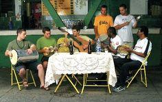 O Teatro Rival Petrobras apresenta no dia 27 de janeiro o projeto Samba e 4 Tempos, que passeia pela história desse tipo musical, cantada pelos grupos Galocantô e Batuque na Cozinha, com entrada a R$ 50.