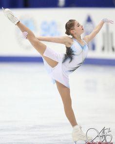 1984 Winter Olympics, Russian Figure Skater, Japanese Grand Prix, Skate 3, Ice Girls, Ice Skaters, Ice Dance, Figure Skating Dresses, Sporty Girls