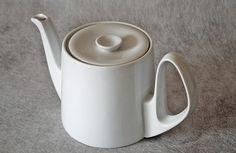 Vintage Bauhaus Tea Pot  by Bausher Weiden. flavorstitch