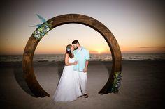 #beachwedding #simpleweddingsflorida #destinationwedding #weddingphotography #floridaweddings Destin Florida Wedding, Florida Beaches, Beach Weddings, Simple Weddings, Wedding Planner, Destination Wedding, Anna Maria Island, Beach Ceremony, Treasure Island
