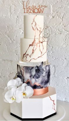 47 unique takes on the traditional white wedding cake 1 Unusual Wedding Cakes, Wedding Cakes With Flowers, Beautiful Wedding Cakes, Gorgeous Cakes, Pretty Cakes, Cascading Flowers, Fresh Flowers, Wedding Cake Decorations, Wedding Cake Designs