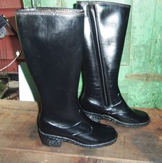 1970's Rubber Knee Boots BLACK Fleece- Felt Lined Lacrosse Snow Rain Black Riding Boot Style.