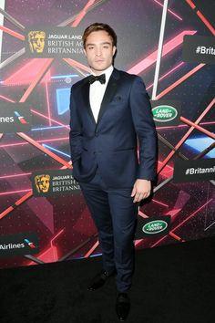Pin for Later: Die Hollywood-Stars feierten bei den Britannia Awards Ed Westwick