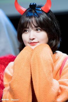 EXID Junghwa 'I Love You' fansign event by Naver x Dispatch. Kpop Girl Groups, Korean Girl Groups, Kpop Girls, Hani, K Pop, Exid Junghwa, Royal Pirates, Fandom, Cute Asian Girls