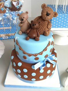 Teddy bear cake but mine would be with a papa, mama, and my new baby boy!
