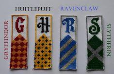 Cross Stitch Harry Potter, Harry Potter Bookmark, Cross Stitch Books, Cross Stitch Bookmarks, Harry Potter Diy, Cross Stitching, Cross Stitch Embroidery, Embroidery Patterns, Cross Stitch Patterns