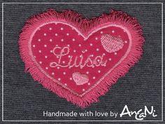 Fransenherz mit Namen bestickt ♥ Herz mit Namen von AnCaNi auf DaWanda.com