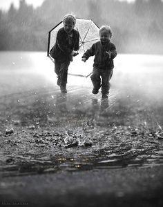 through the rain... | Flickr - Photo Sharing!