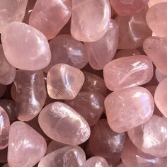 Rose Quartz Crystal Metaphysical Properties: Rose quartz is THE stone of love energy - and supports all kinds of love energy: self love, friend and family love, romantic love, and compassion towards yourself and others. You will receive four (4) stones, similar to those shown. Each stone is approximately 20-25mm. Crystal Aesthetic, Pink Aesthetic, Rose Quartz Crystal, Crystal Healing, Pink Quartz, Crystals And Gemstones, Stones And Crystals, Cool Rocks, Krystal