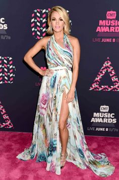 Carrie Underwood in Mikael D. - 2016 CMT Music Awards Red Carpet - June 8, 2016