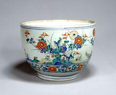 Larg bowl, imari-kakiemon type, Imari Ware. Design of flowers and birds in overglaze enamels.    H. 21.4, mouth D. 30.3, bottom D. 16.5. Edo Period, 17th century.