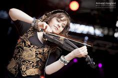 3voor12 - #ISF13: Lindsey Stirling zet viool op een voetstuk