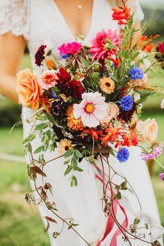 Summer Wedding Bouquets, Garden Party Wedding, Bride Bouquets, Wedding Flowers, Bouquet Flowers, Honeymoon In Scotland, Free Wedding, Wedding Ideas, Summer Garden
