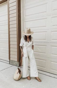 8c9716d098cb White wide leg trousers ·  summer  outfits 55+ Summer Outfits to Copy Now  Vol.2 066 Style