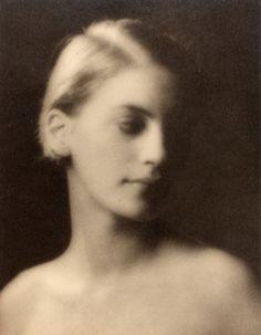 Arnold Genthe - Lee Miller, 1927