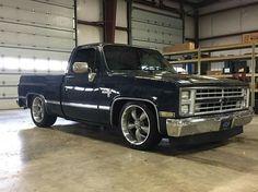 1986 Chevrolet Silverado in midnight blue 1987 Chevy Silverado, Chevy Vs Ford, Custom Chevy Trucks, Chevy Pickup Trucks, Classic Chevy Trucks, Chevy Pickups, Chevrolet Trucks, Chevrolet Silverado, Lowered Trucks