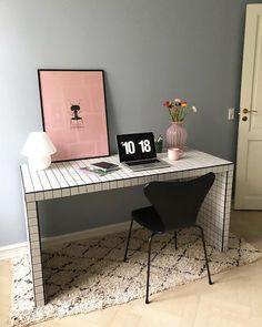 Ikea hacks that look like expensive living room decor Handmade Home Decor, Cheap Home Decor, Ikea Malm Desk, Eco Furniture, Furniture Stores, Antique Furniture, Rustic Furniture, Furniture Dolly, Furniture Buyers