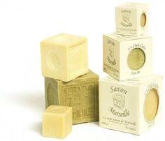 Vu la qualité des produits que l'on trouvent dans le commerce, faire son savon maison avec cette recette de savon à fabriquer à la main est une très bonne initiative.