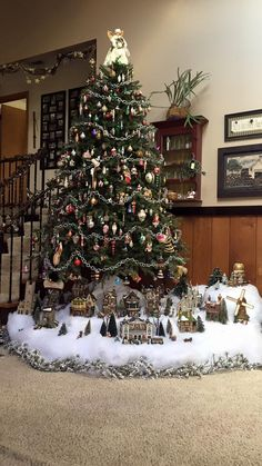 33 Adorably Cozy DIY Christmas Decorations and Crafts - The Trending House Christmas Tree Train, Christmas Tree Village, Unique Christmas Trees, Christmas Tree Themes, Christmas Villages, Simple Christmas, Christmas Home, Christmas Crafts, Easy Christmas Decorations