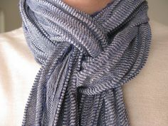 Different way to wear a scarf. Lots of great ideas on  how to tie scarves