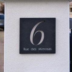Plaque de maison ardoise noir. numéro 6 découpé. www.numerodemaison.fr