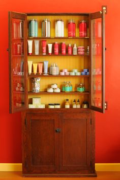 Davines Styling Products and the Glorifying line. Hair And Makeup Tips, Product Display, Styling Products, Bathroom Medicine Cabinet, Liquor Cabinet, Salons, Storage, Beauty, Design