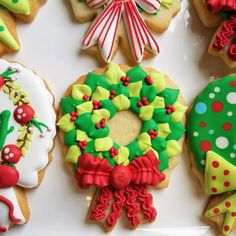 How to Decorate Four Christmas Wreaths
