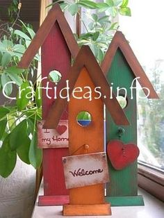 I love these adorable birdhouses ... think I'll add this to my list of wood craft projects to make! ♥