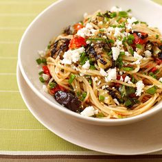 Weight Watcher's Angel Hair Pasta with Eggplant Tomato Sauce - 6 WWP points. Zucchini or summer squash can be substituted for the eggplant. Ww Recipes, Low Calorie Recipes, Pasta Recipes, Great Recipes, Dinner Recipes, Cooking Recipes, Healthy Recipes, Sauce Recipes, Recipe Pasta