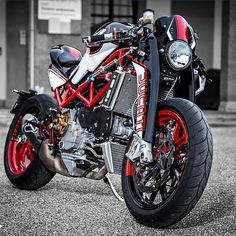 """@ducatistagram Check out the forks on this Badass custom Ducati #ducati…"