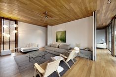 Luxurious Private House in Singapore: Fantastic Wall House Design Interior In Family Room Decorated With Modern Minimalist Sofa Furniture An. Design Villa Moderne, Modern Villa Design, Conception Villa, Living Room Designs, Living Spaces, Interior Architecture, Interior Design, Modern Mansion, House Painting