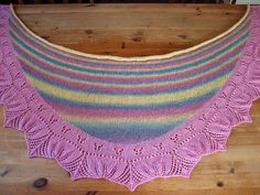 Ravelry: o Jultorpet's Summer Flowers Shawl Summer Flowers, Holidays And Events, Shawls, Ravelry, Crochet Necklace, Projects, Working Holidays, Amazing, Nice Asses