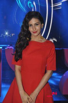 Amyra Dastur and Ragini Khanna grace NYX launch