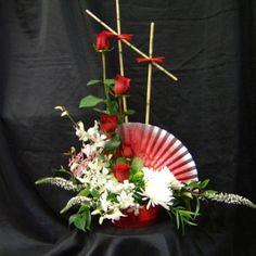 Ikebana floral arrangement by Flowers Forever LLC Rosen Arrangements, Unique Flower Arrangements, Ikebana Flower Arrangement, Chinese New Year Flower, Chinese Flowers, Japanese Flowers, Deco Floral, Arte Floral, Floral Design