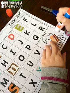 Atividade para trabalhar a identificação das letras do alfabeto, sequência e coordenação motora fina com cartela para downloa...