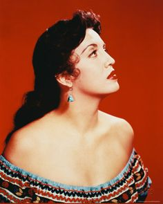 Katy Jurado <3 Cowgirls, Hispanic Actresses, Divas, Mexican Actress, Cool Poses, Actors, Vintage Glamour, Photo Reference, Movie Stars