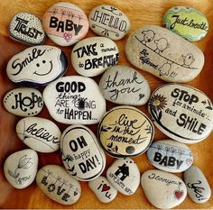 Manualidades: Pintar y decorar piedras a mano. Consejos básicos e ideas rebonitas