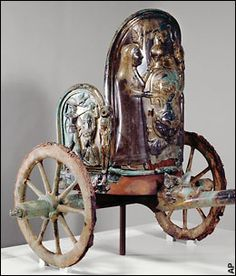 A small mountain village in Umbria is fighting New York's Metropolitan Museum of Art for the ownership of a 2,600-year-old Etruscan war chariot.
