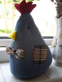 Bertie - Chicken Doorstop. I'm going to have a go at making one of these for my kitchen door.
