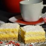 Prajitura Raffaello Cornbread, Ale, Cheesecake, Baking, Ethnic Recipes, Desserts, Dessert, Deserts, Raffaello