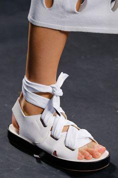 Rag & Bone Prêt à Porter Primavera/Verano 2016 Fashion Week, Look Fashion, Fashion Shoes, Sock Shoes, Shoe Boots, Shoes Sandals, Crazy Shoes, Me Too Shoes, Shoes 2016