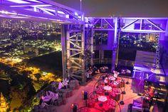 Bangkokin parhaat kattobaarit Tuskin missään kaupungissa maailmassa on yhtä hienoja pilvenpiirtäjien kattobaareja kuin Bangkokissa. Mutta mikä niistä sitten on paras? Me paljastamme...