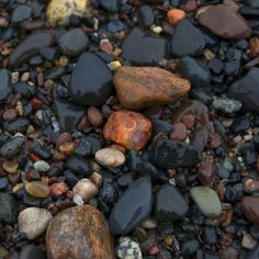 Agate hunting on Lake Superior    Lake Superior Agate by Michele Frederick, via Flickr