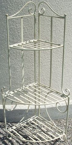 blumenregal auf pinterest balkon palettenregale und. Black Bedroom Furniture Sets. Home Design Ideas