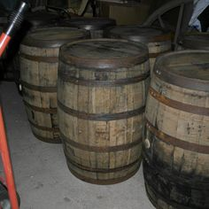 Viskitynnyri 200 L - käytetty - tynnyri.fi Bourbon, Beer, Mugs, Tableware, Bourbon Whiskey, Root Beer, Ale, Dinnerware, Tumblers