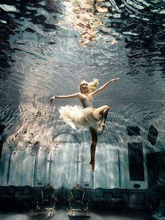 dancing underwater #dance #ballet danser sous l'eau